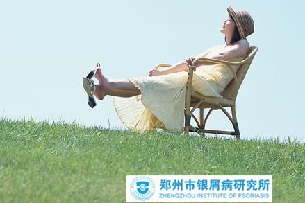 女性银屑病皮肤护理要慎重